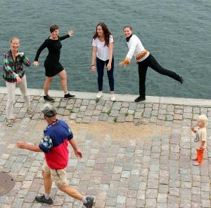 NU! Blekinge Dansfestival 2013, för alla åldrar säger Emma Nordanfors, Anna Johansson, Rebecca Yates och Emelie Trossö.