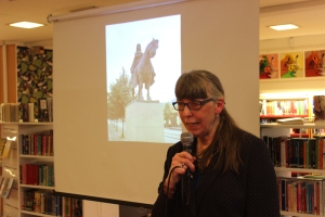 Margareta Skantze på Olofströms bibliotek.